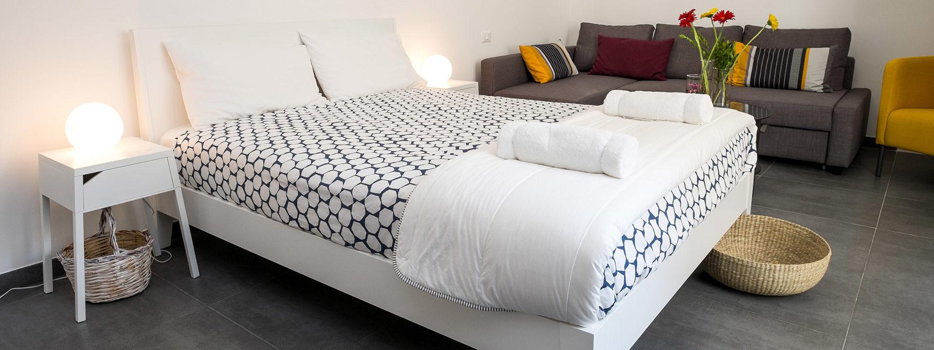 La camera con letto matrimoniale - indigo